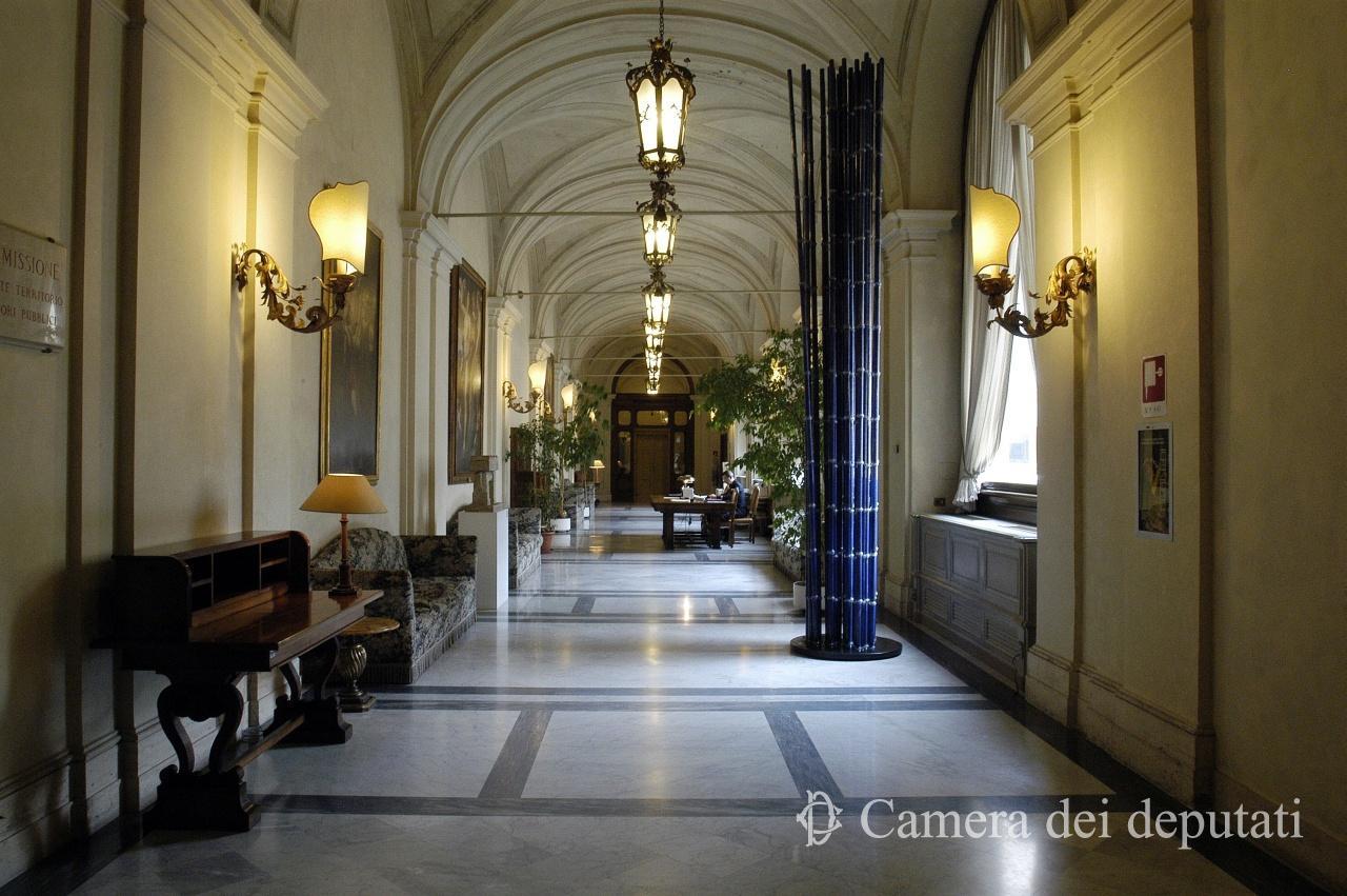 Lobbying da oggi nuove regole alla camera labparlamento for Calendario camera deputati